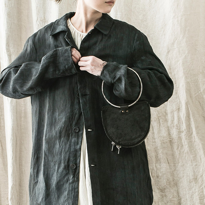 Coat / BIEK VERSTAPPEN Tops / UMA WANG Bag / GUIDI
